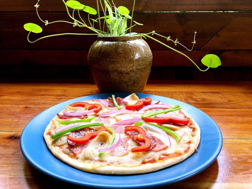 yangshuo secret garden pizza